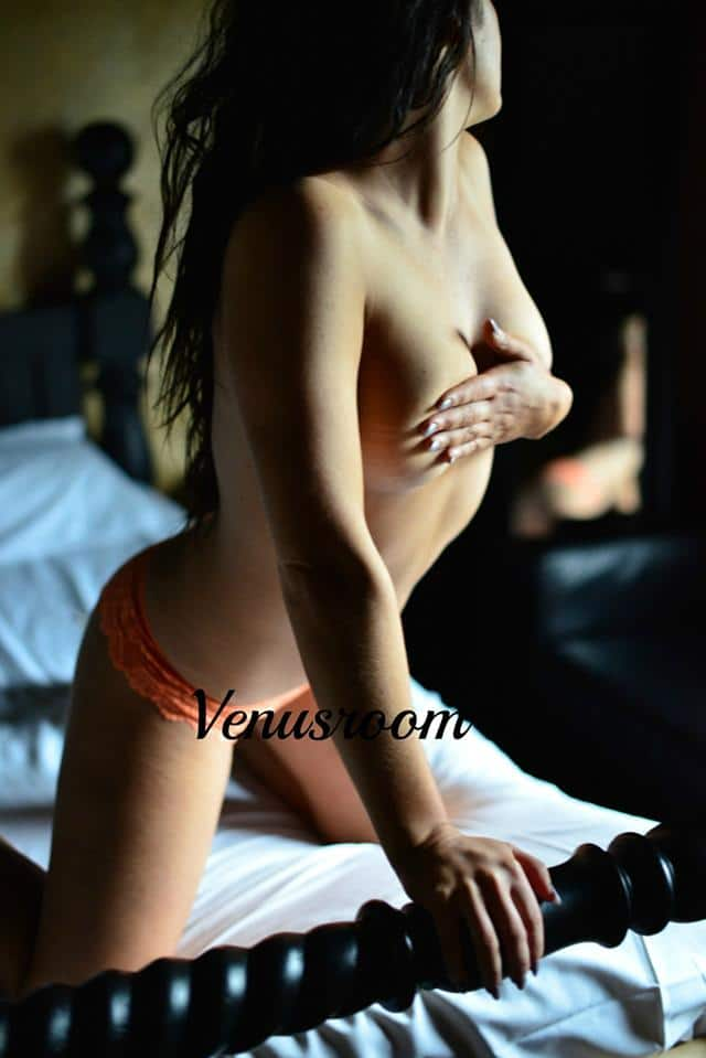 venus room woolston working girls escorts