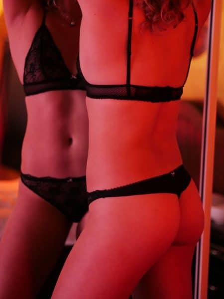 04-Summer-Venusroom-Escorts