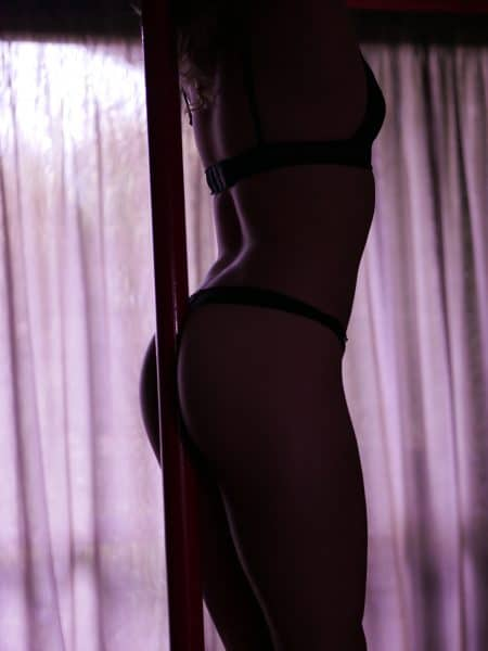 07-Summer-Venusroom-Escorts